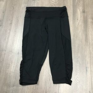 Lululemon Black Crop Yoga Pants  6